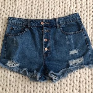 Forever 21 Denim Shorts -!Size M